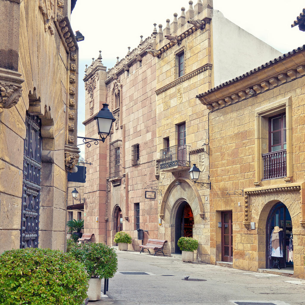 Travel guide barcelona your trip to barcelona with for Oficinas air france barcelona