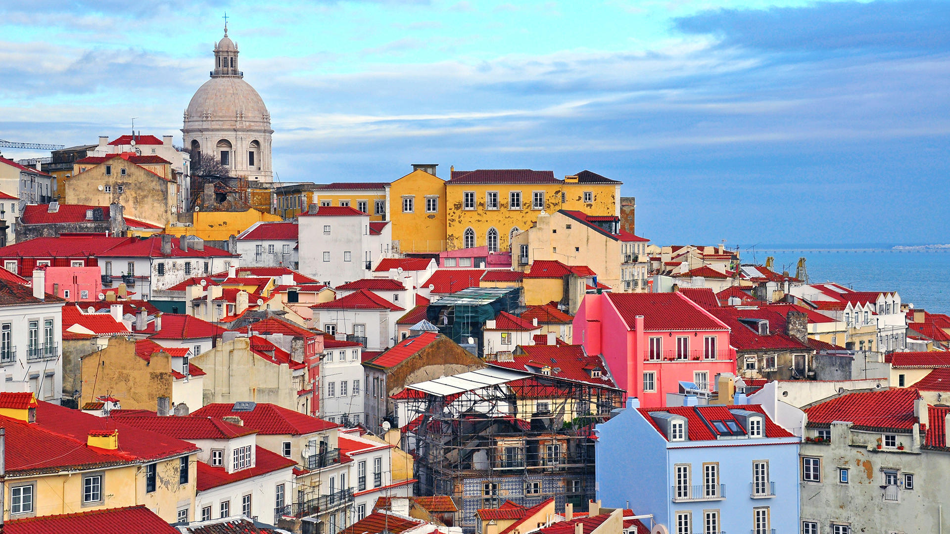 Travel Guide Lisbon - Plan your trip to Lisbon with Travel