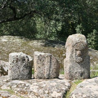 Les menhirs anthropomorphes de Filitosa