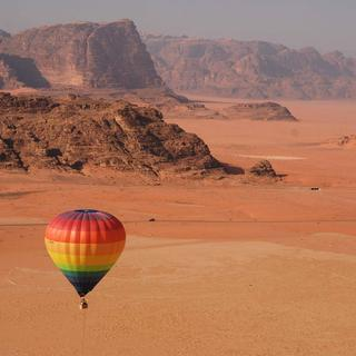 Hot-air ballooning over the Wadi Rum