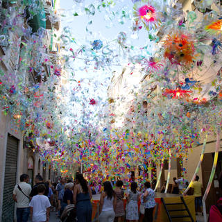 Barcelona: The Gràcia festival lights up the Catalan sky