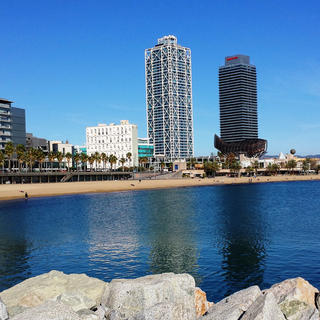 La Barceloneta: a relaxing seaside trip