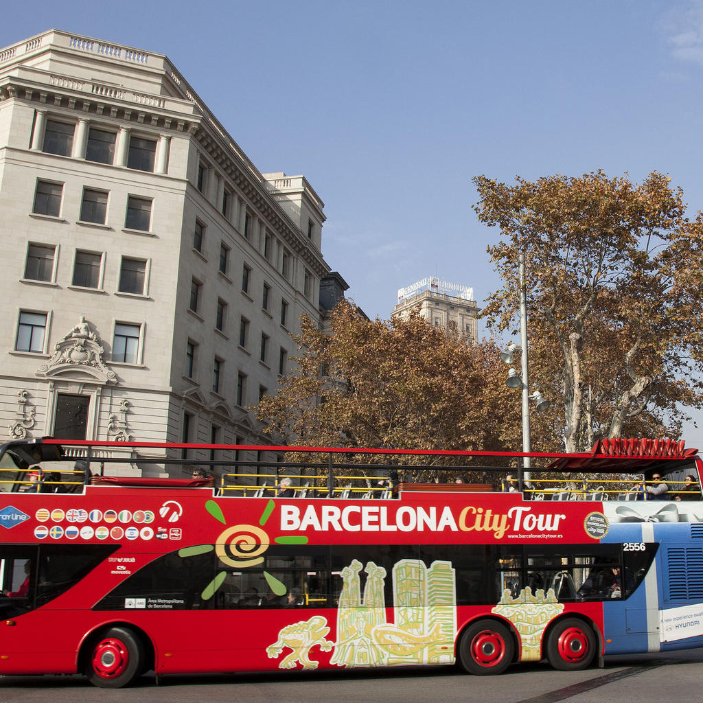 The Barcelona Bus Turistic: a fun way to discover the city