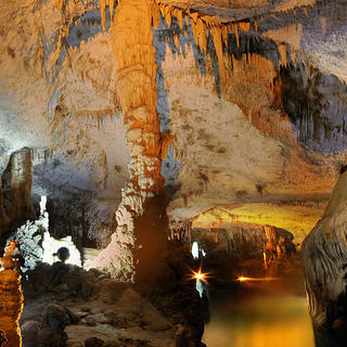 Jeita Grotto: natural wonder of humanity