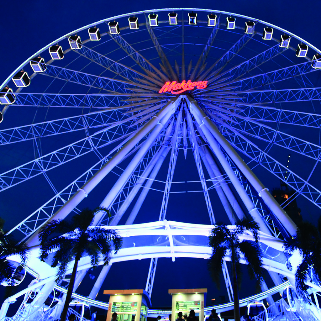 Take a Ferris-wheel ride at Asiatique The Riverfront