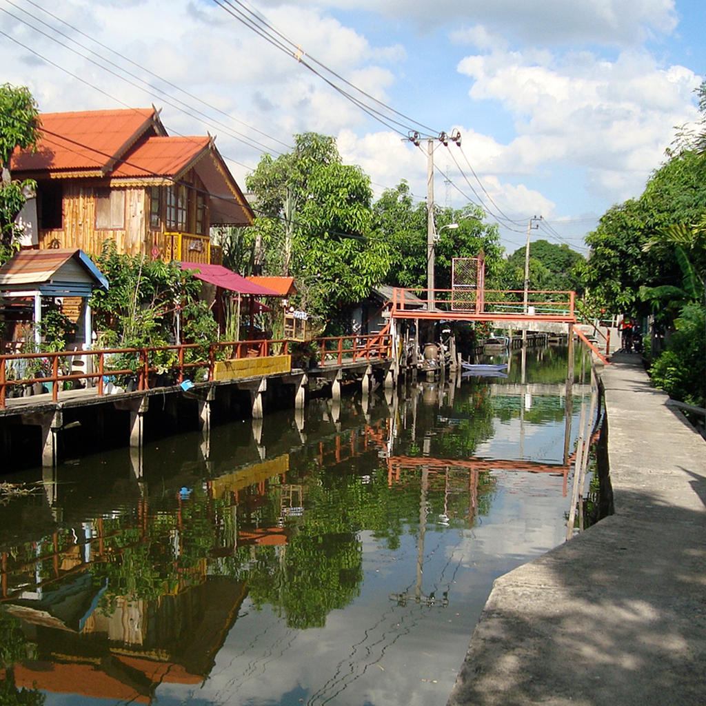 Lose yourself in the khlongs