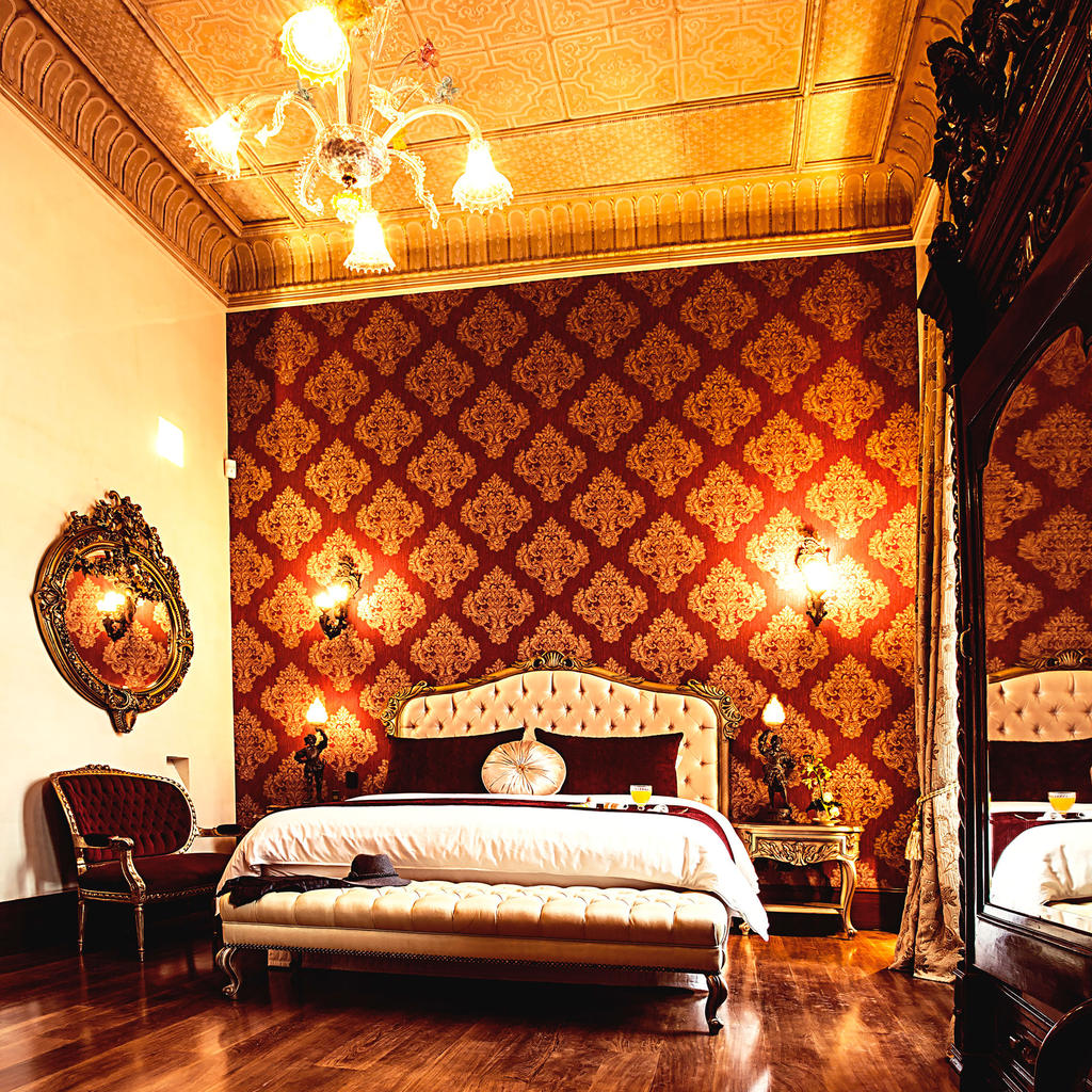 The Orchids Hotel: a luxurious mansion in the historical district