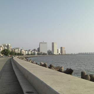 Marine Drive: Art Deco, spicy fast food, Chowpatty Beach