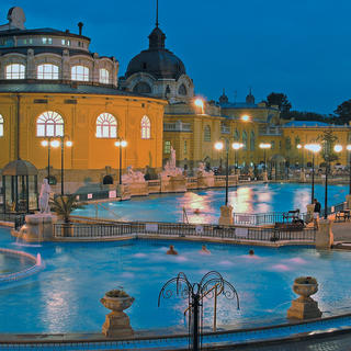 "Széchenyi baths, discover the ""blue gold"""