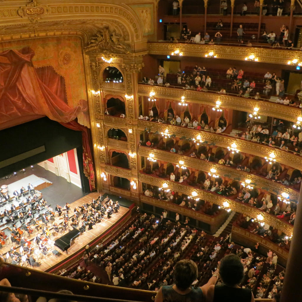 The Colón Theatre, a legendary venue for historic concerts