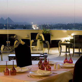 Sleep with one eye on the Cheops at the Barceló Cairo Pyramids