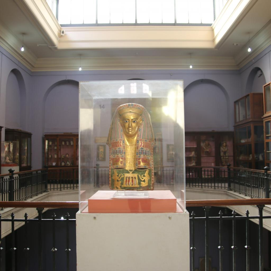 Cairo Egyptian Museum: the last tomb of Tutankhamen