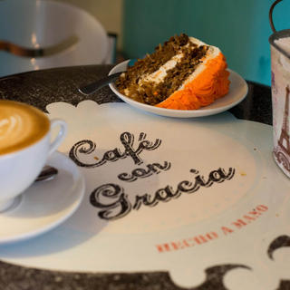 Gourmet break at Café con Gracia