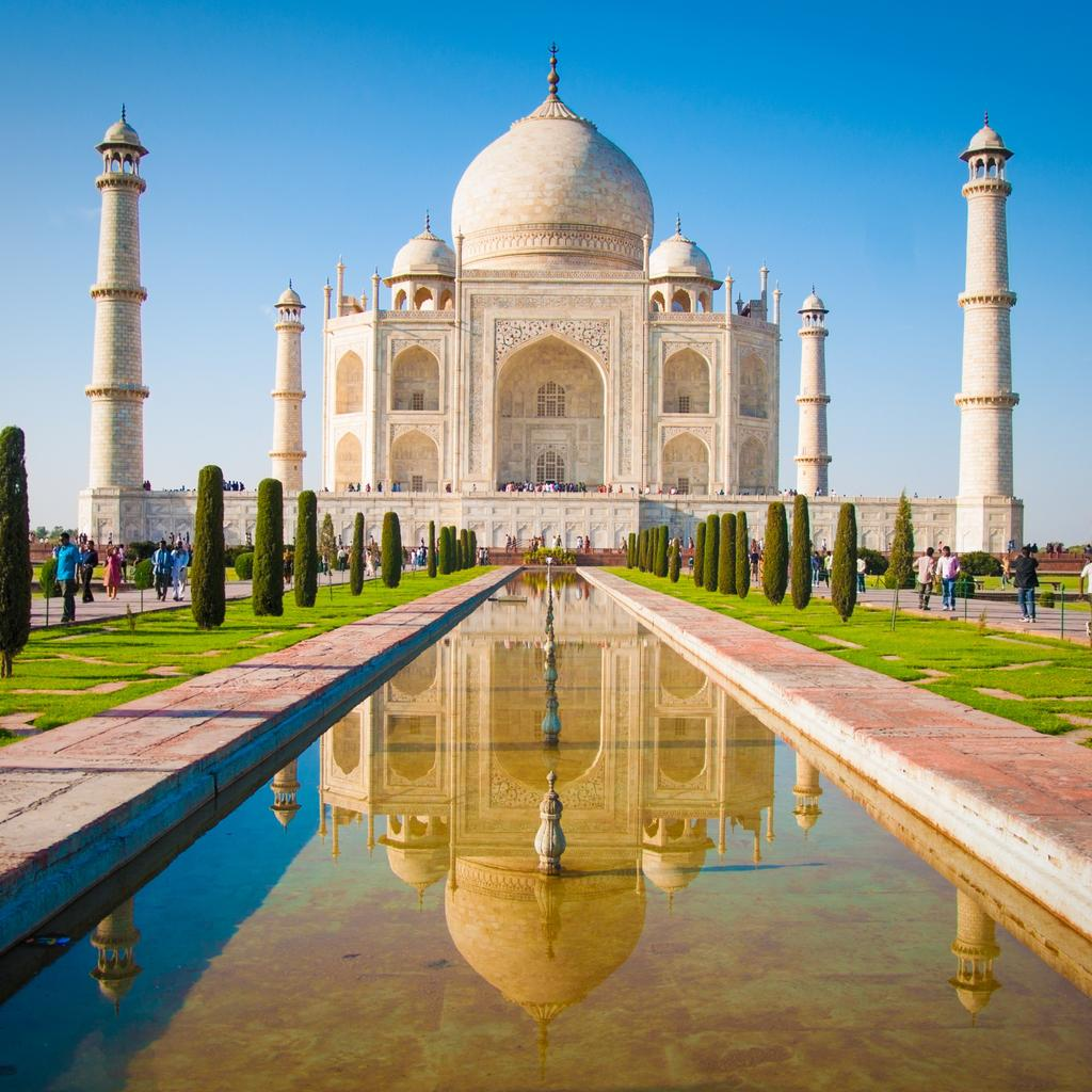 Agra: the palace of love