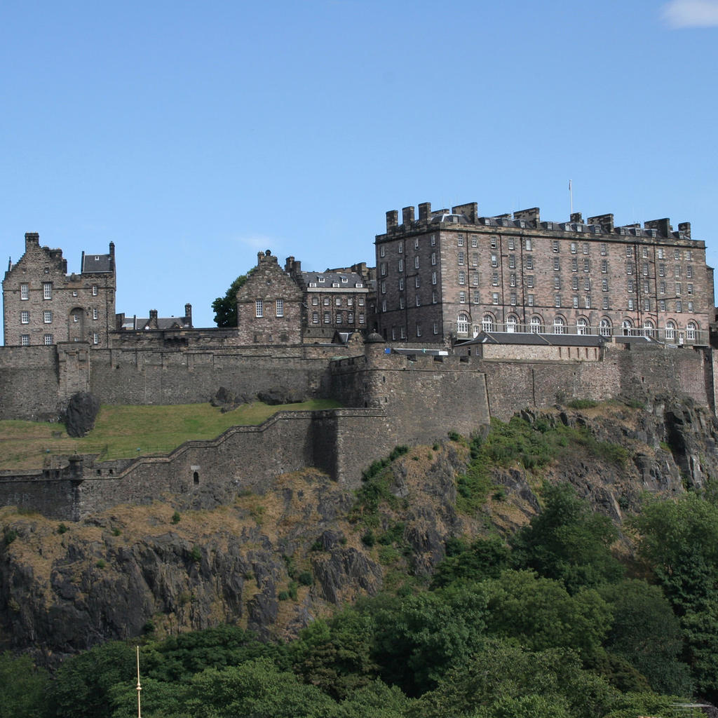 Edinburgh Castle: a key symbol of the city