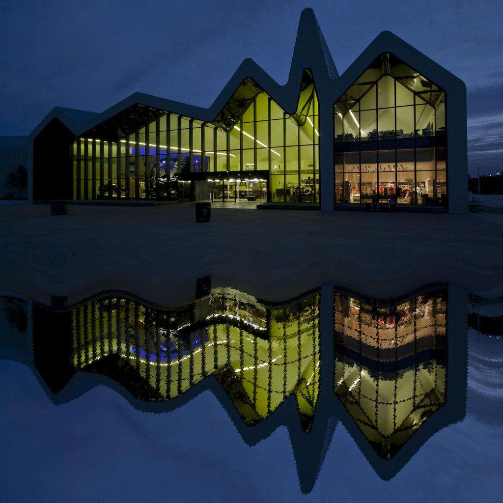 Glasgow Riverside Museum: where land and sea unite