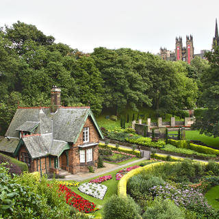 A lovely walk in Princes Street Gardens