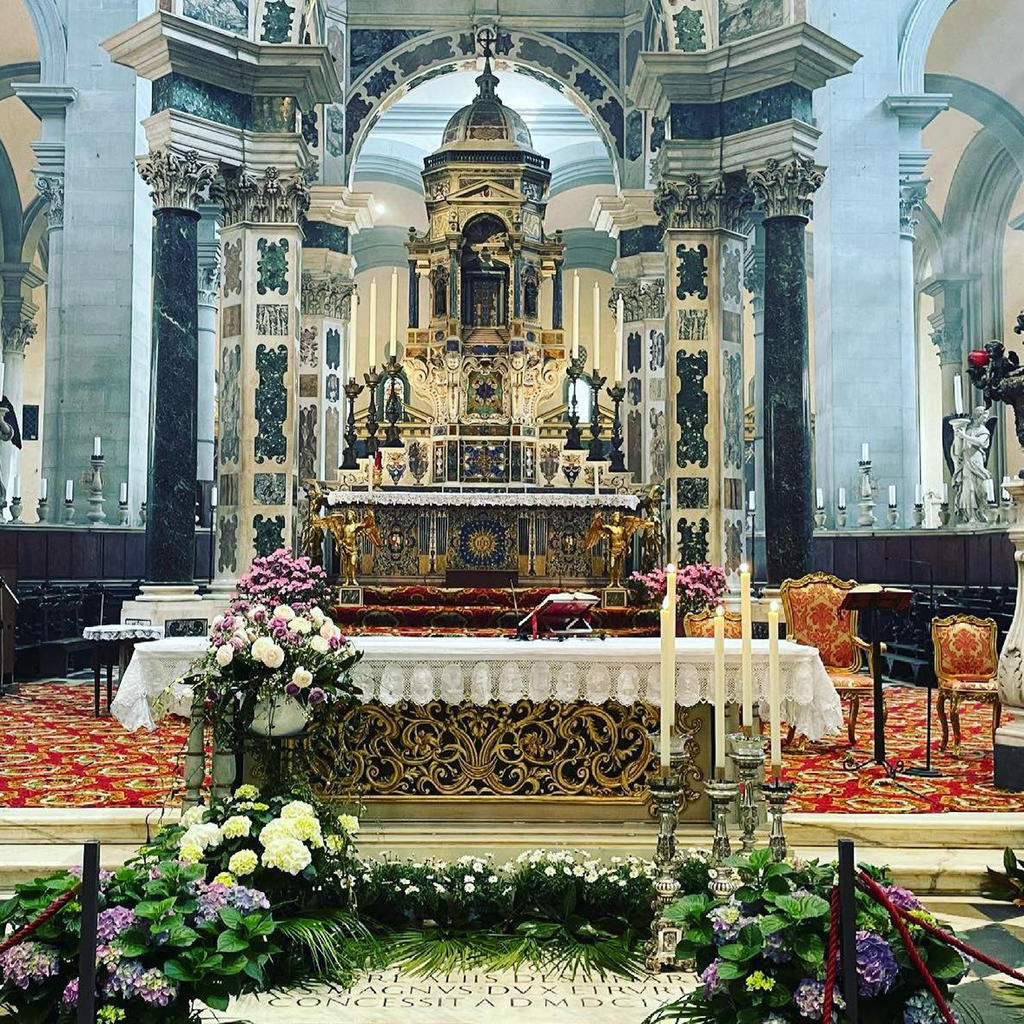 Basilica di Santo Spirito: where business joins pleasure