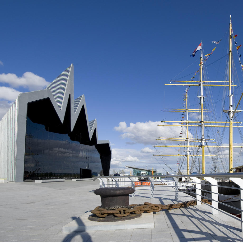 Riverside Museum in Glasgow, unifying land and sea