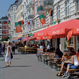 Schanzenviertel and Karolinenviertel: the city's creative districts