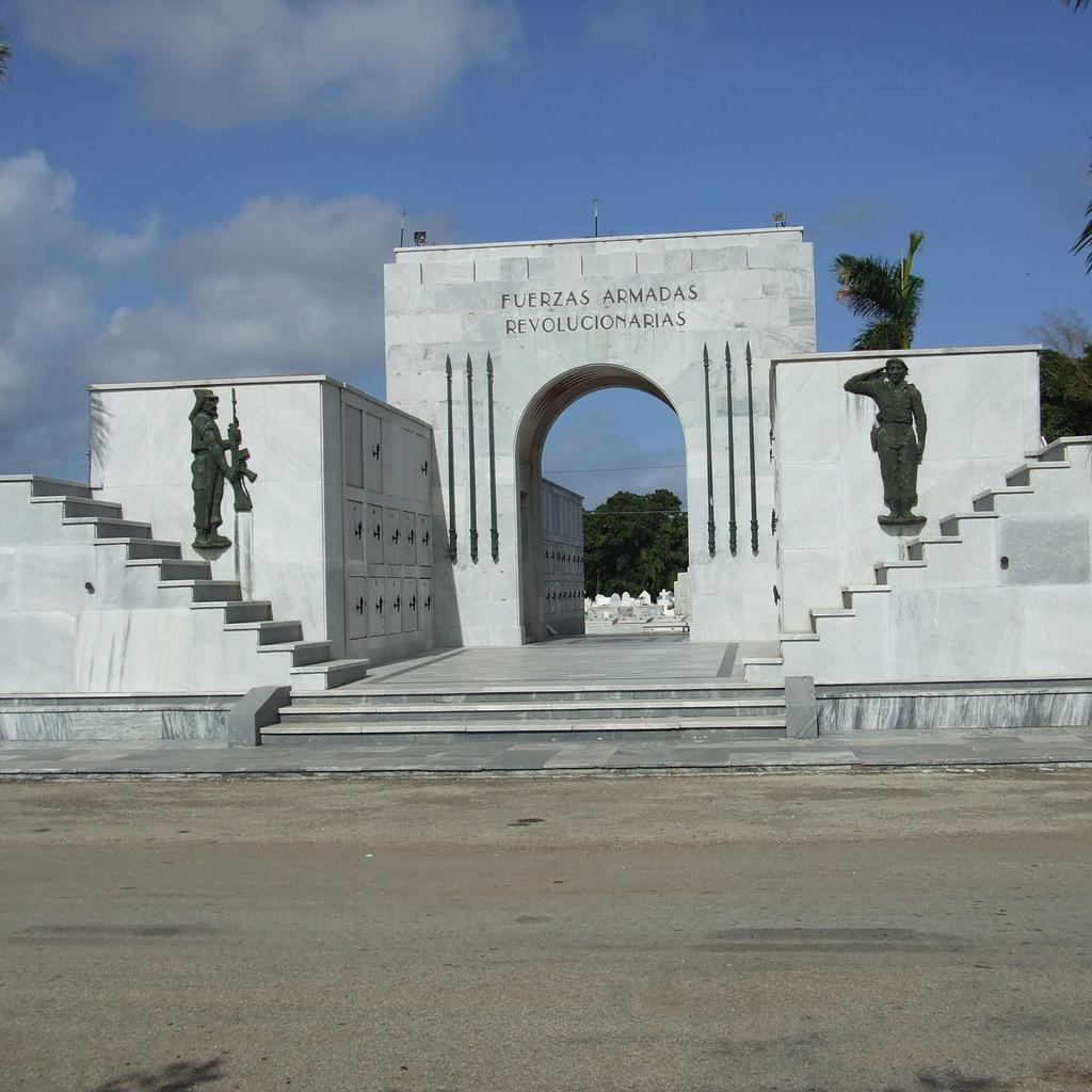 Colon Cemetery: a city within the city