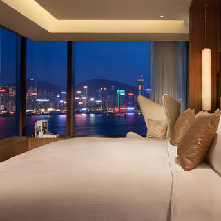 Enjoy Hong Kong until the very last minute at the Icon Hotel