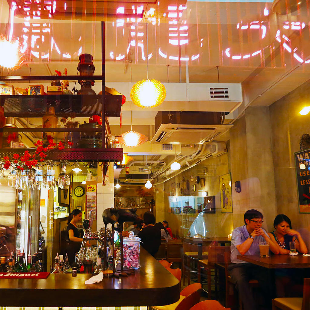 Tai Lung Fung: hobnobbing with Hong Kong movie stars