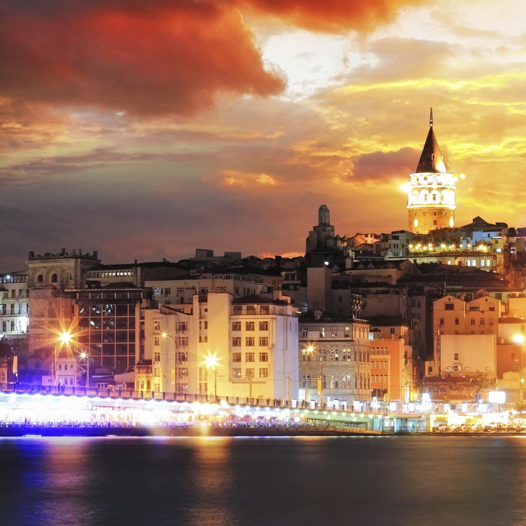 Stroll on Galata Hill and visit the old Genoese tower