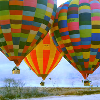 A hot-air balloon: a safari in the sky