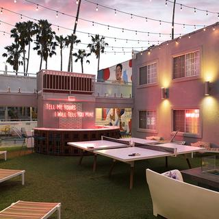 The Kinney Hotel, gateway to Venice Beach