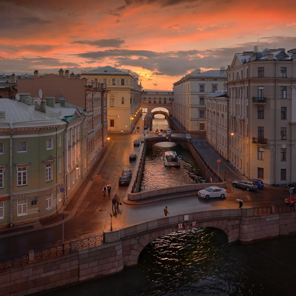 Saint Petersburg: a city on the water