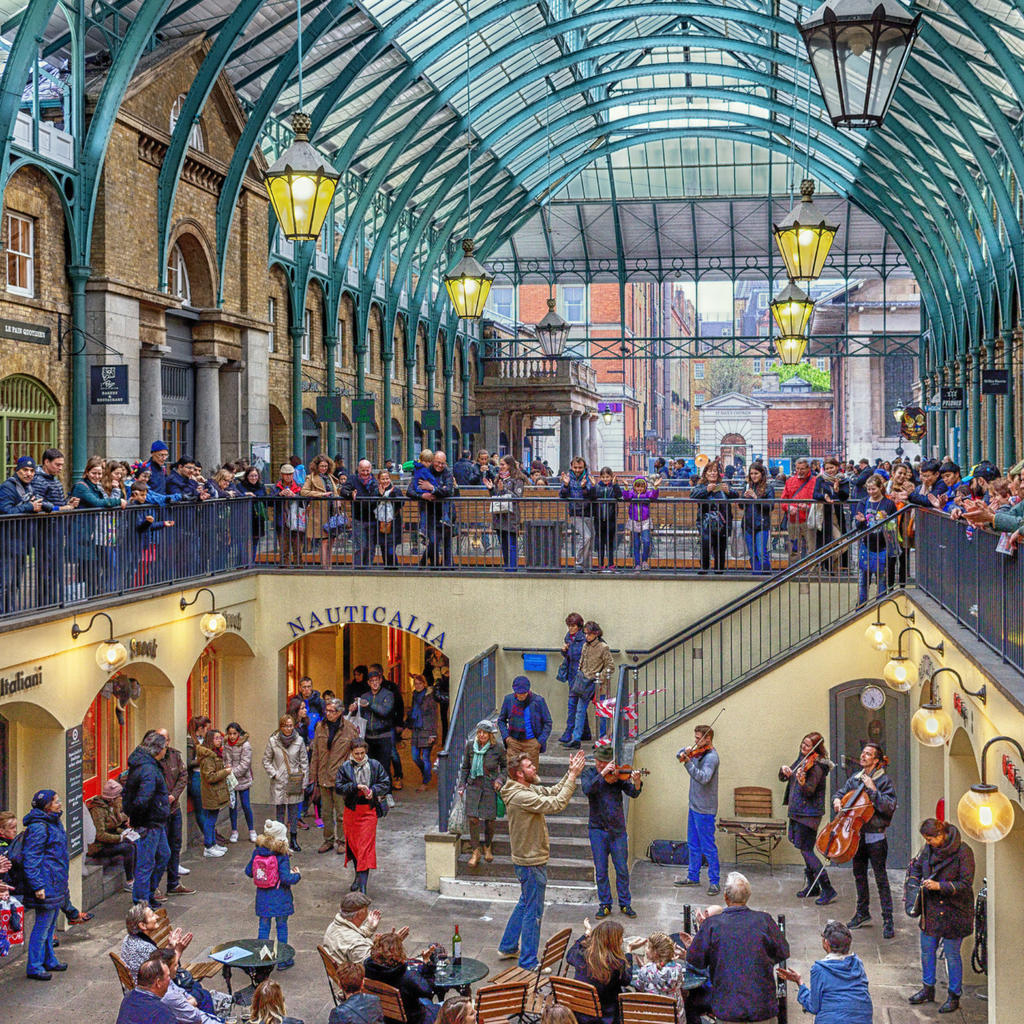 Covent Garden: a lively and warm 'village'