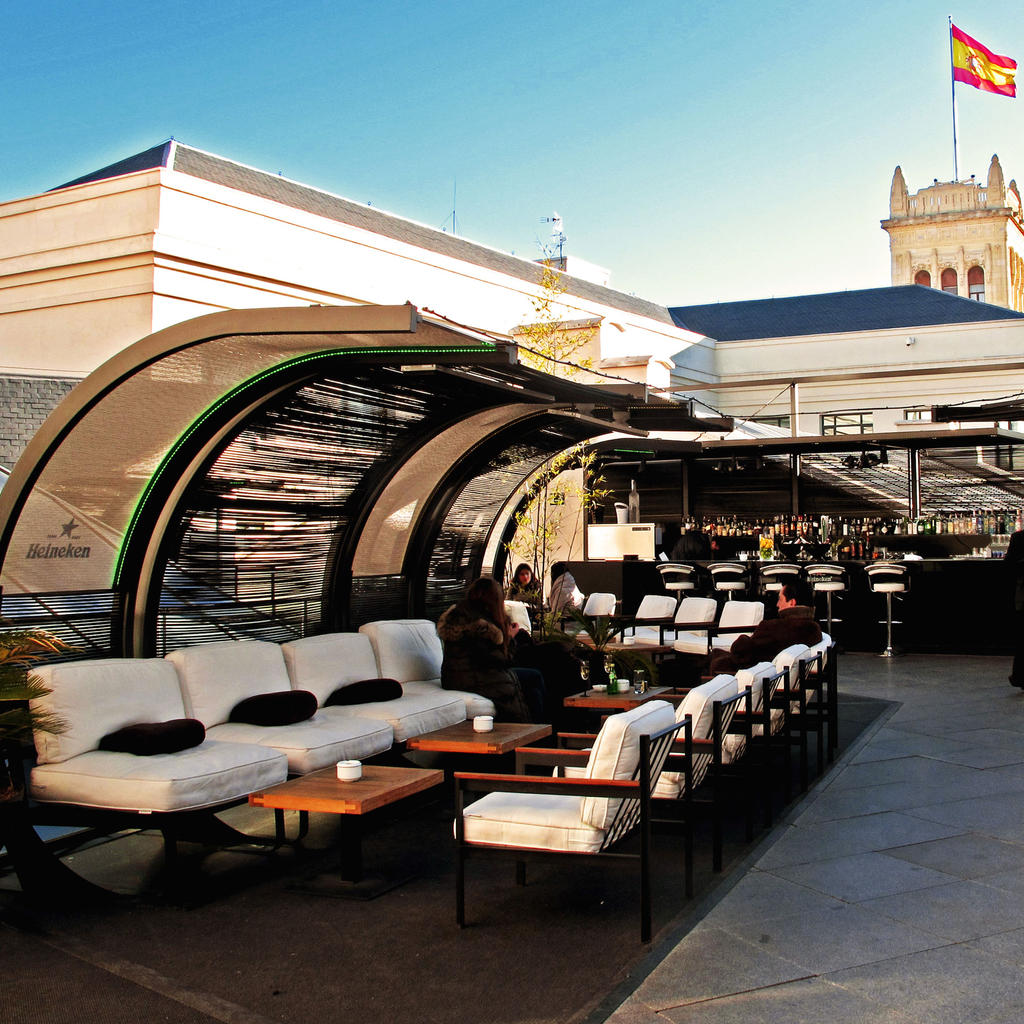 Dine in the sky at the Palacio de Cibeles