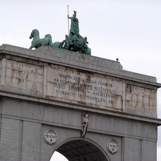 L'Arc de la victoire, Madrid de la dictature