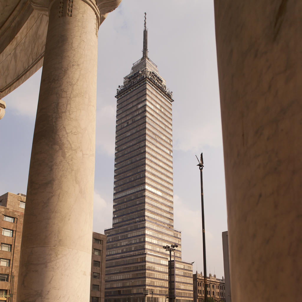 Climb to the top of the Torre Latinoamericana