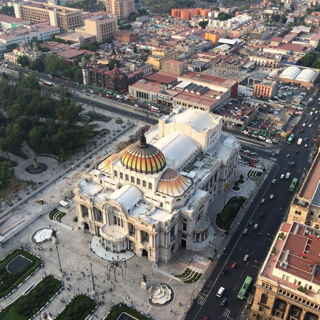Discover the Palacio de Bellas Artes