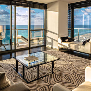W South Beach, luxury in Miami's centre