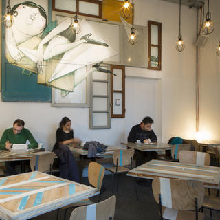 Madama Hostel Bistro : stay in alternative Milan