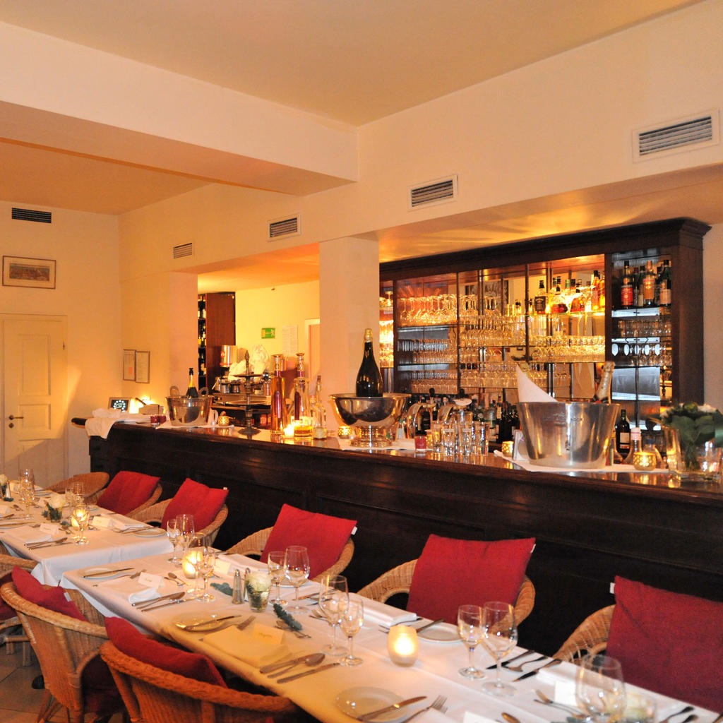 Mediterranean cuisine at the Gandl Feinkost Speisen Bar
