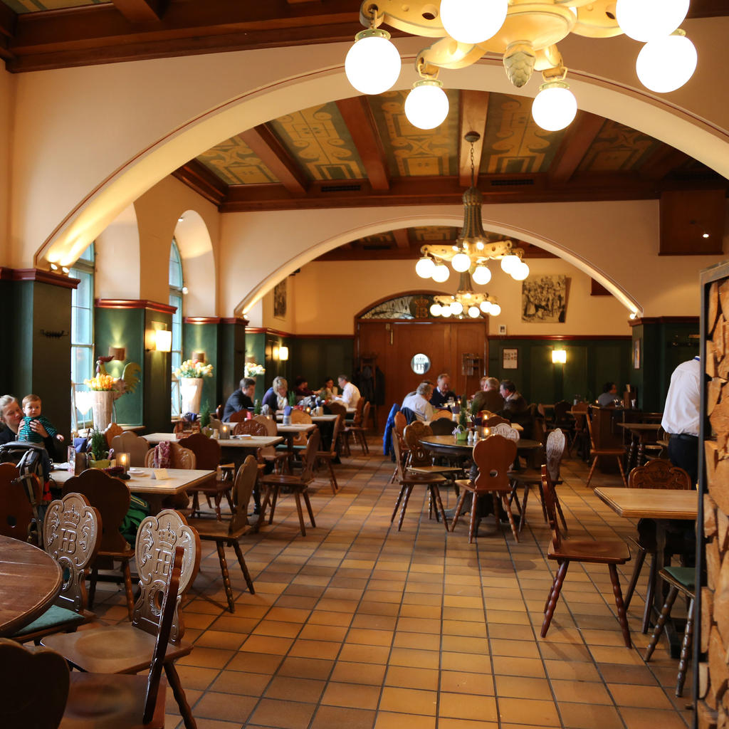 Hofbraukeller: on the banks of the Isar, a beer lover's paradise