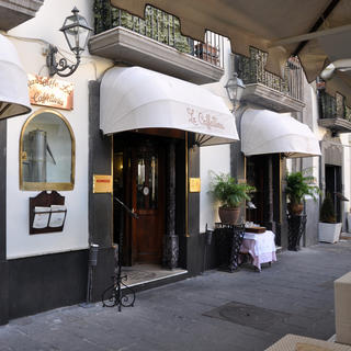 Gran Caffe la Caffettiera, chic and Art Deco