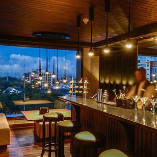 Champagne Bar at the Sankara, classy!
