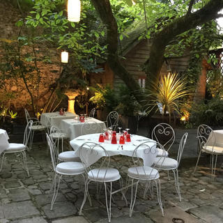 Charm and delights on the terrace of Le Bouchon