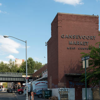 Gansevoort Market: food stands galore