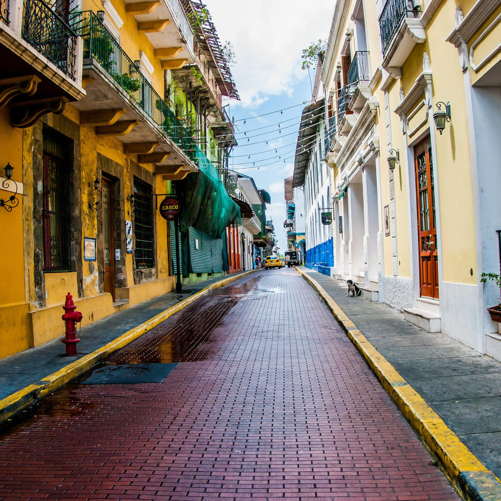 Stroll through the romantic streets of Casco Viejo
