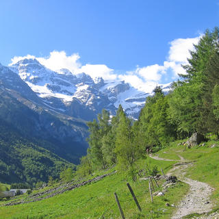 4 stunning hiking trails from Pau