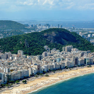 Ipanema Beach: party in the sand!