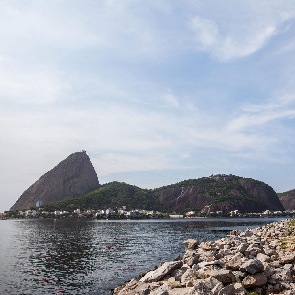 The Pão de Açúcar: a postcard in granite