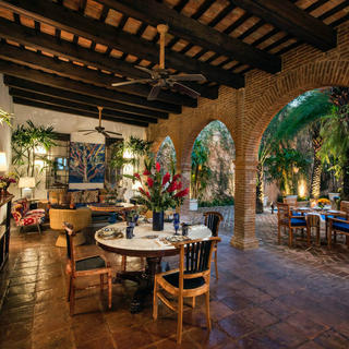 Casas del XVI, welcome to the Spanish colonial nobility