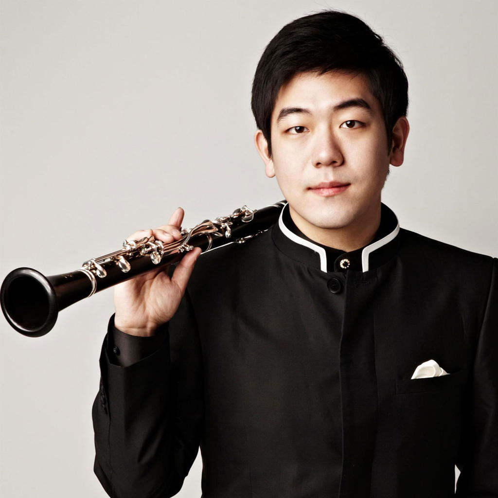 Clarinet prodigy Han Kim plays with the Seoul Philharmonic Orchestra